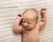 Hanna 22 dagen - Newborn fotoshoot Beuningen
