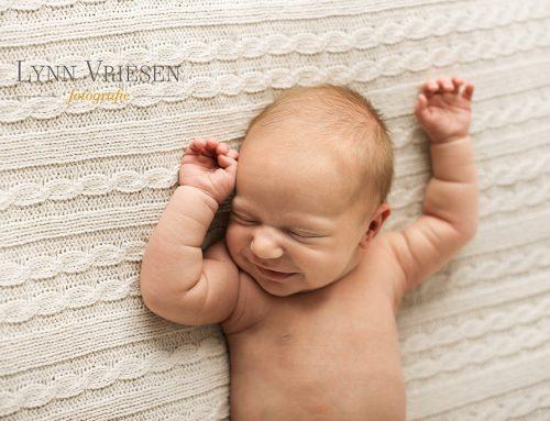 Hanna 22 dagen – Newborn fotoshoot Beuningen