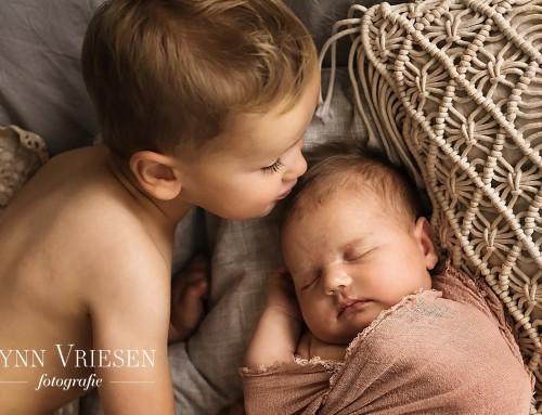 Flora 23 dagen – Newborn fotograaf Arnhem