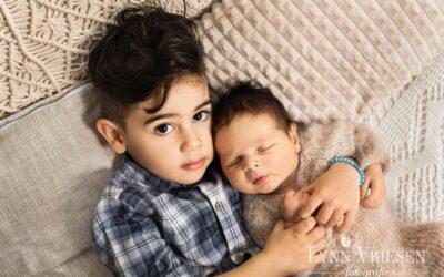 Azmoun 15 dagen oud – Newborn fotograaf Arnhem