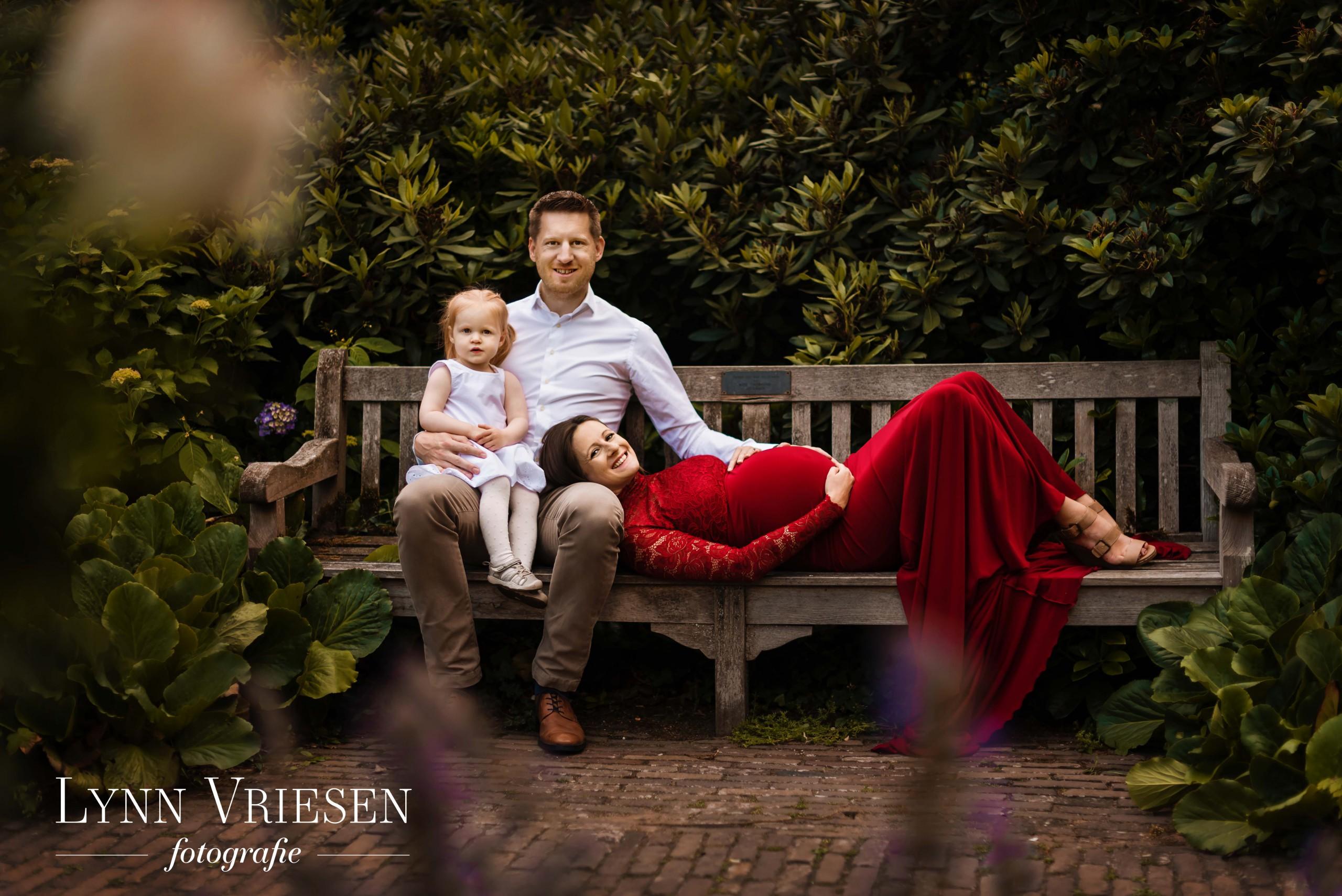 Ik ben een gespecialiseerd zwanger fotograaf voor het hele gezin